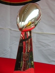 Super_Bowl_29_Vince_Lombardi_trophy_at_49ers_Family_Day_2009